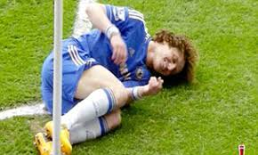 Chelsea David Luiz a cheat or comedian after Rafael tackle | Daily Mail  Online
